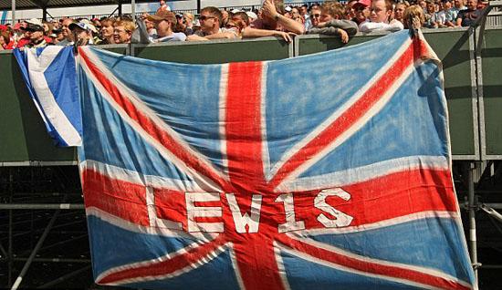Agora que os ingleses não têm mais seleção pra torcer...