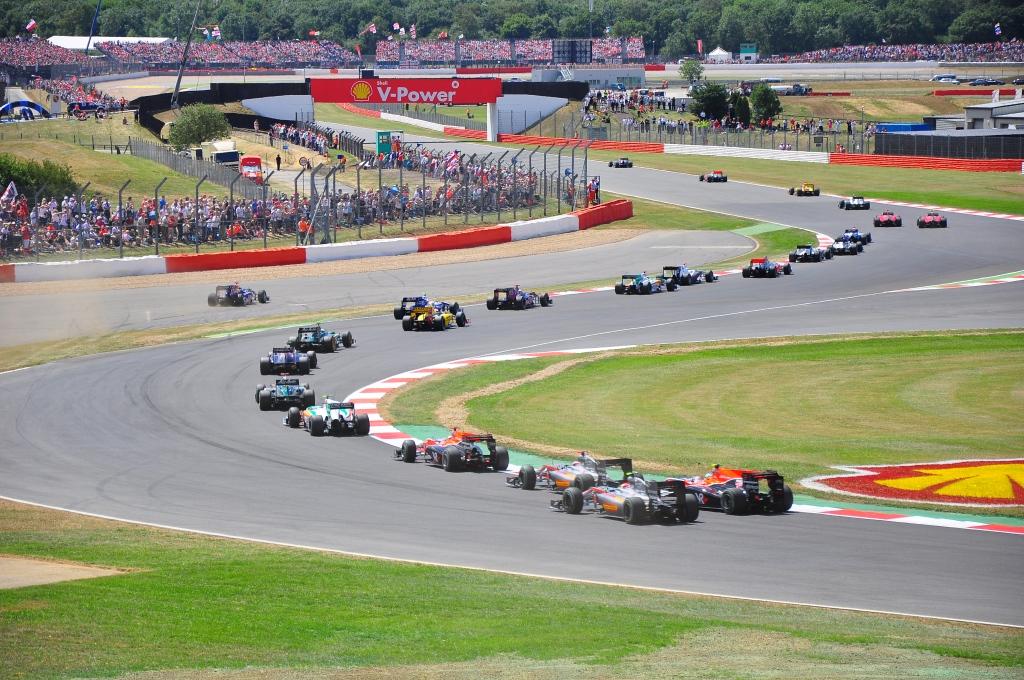 2010_British_GP_start