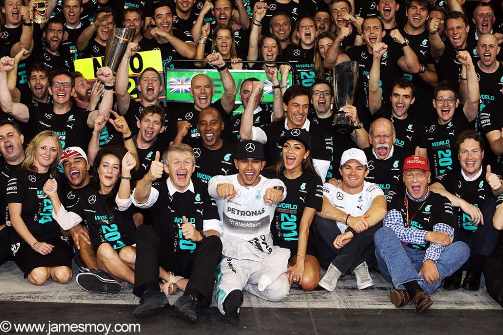 Motor Racing - Formula One World Championship - 2014 Abu Dhabi Grand Prix - Race Day - Yas Marina Circuit