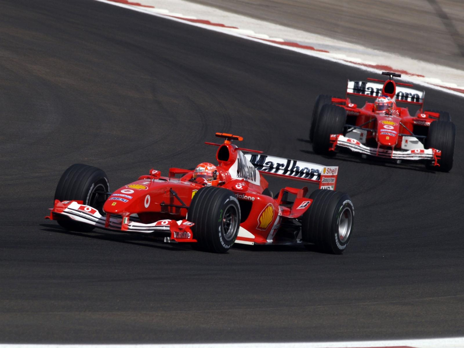 Grandes Dominios Ferrari 2000 2004 Julianne Cerasoli