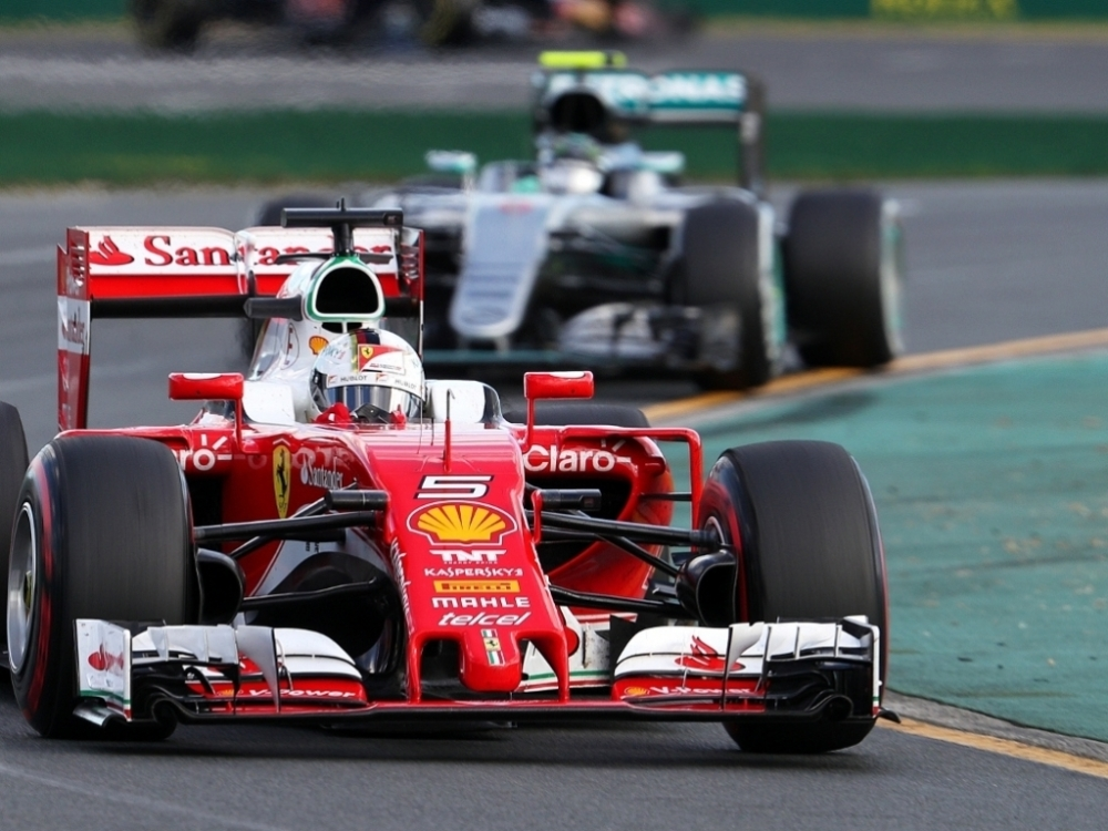 bdf1022.6666666666666x767__origin__0x1_Sebastian_Vettel_supers_and_Nico_Rosberg_mediums_Melbourne